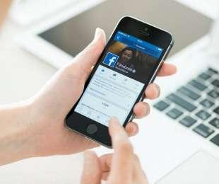 Facebook aggiorna il suo algoritmo, massima priorità ai post di amici e parenti.